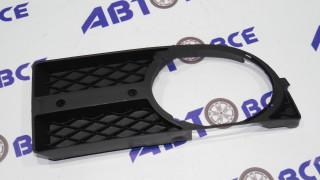Рамка туманных фар Aveo 3 T250 правая (черная под хром накладку) GM