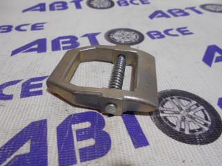 Скоба суппорта (малая) (пряжка) ВАЗ-2121-213-2123 ( в сборе) Автоваз
